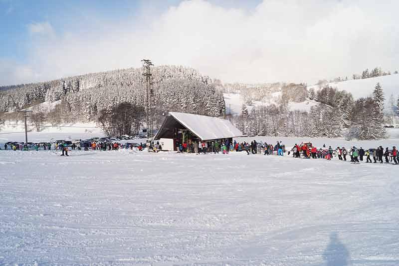 ski-fahren-im-winder