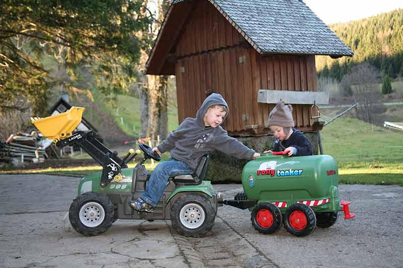 traktor-mit-anhaenger